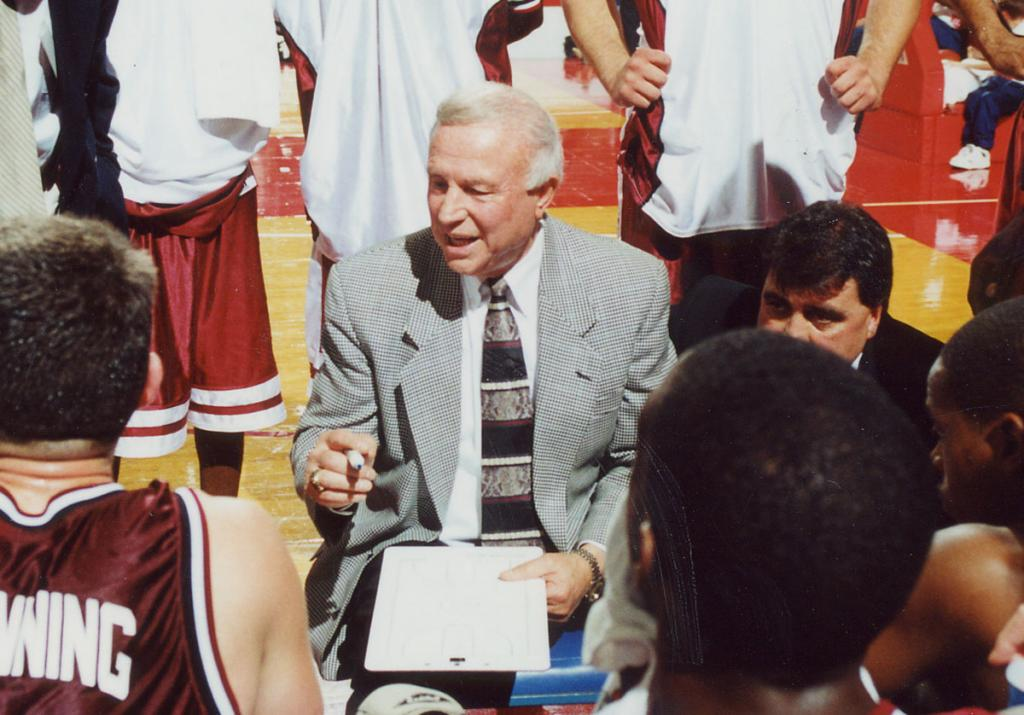 Lou Henson was a giant of a coach.